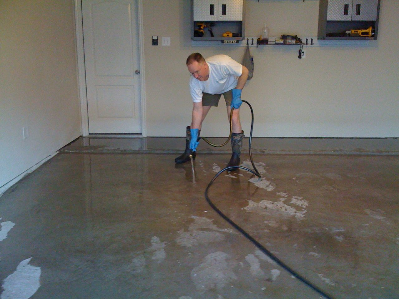 floors painting com home paint vila coating to size how radio in bob floor ideasonthemove garage epoxy dubai depot