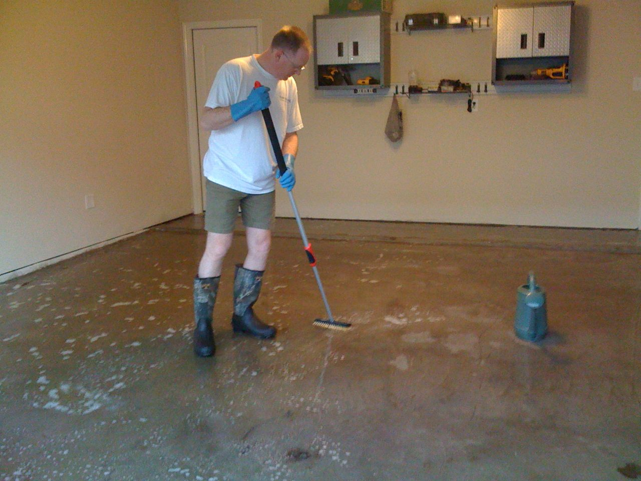 How To Clean A Stained Concrete Floor 4 Steps Ehow Share The Knownledge
