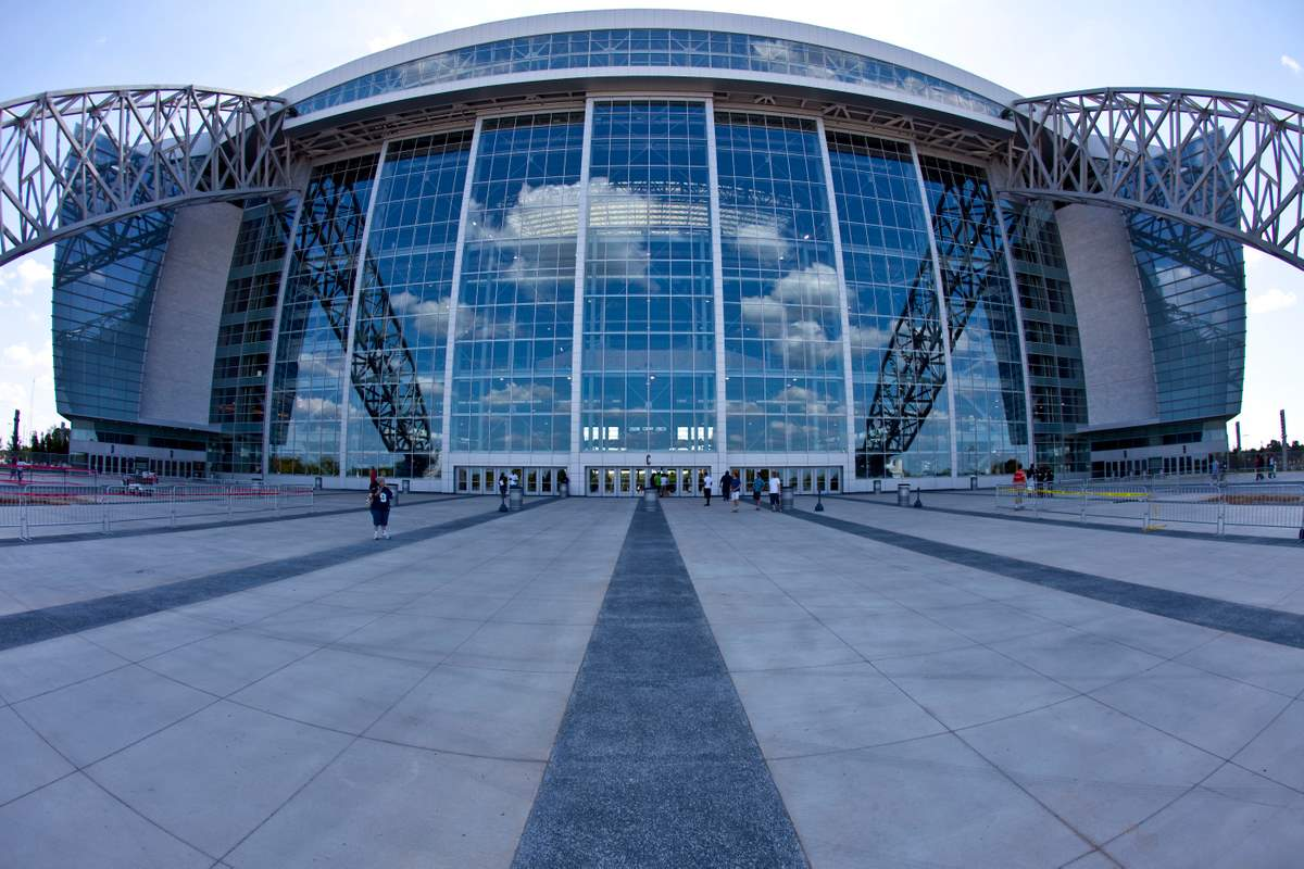 Dallas cowboys stadium a complete photo and video review for Dining options at at t stadium