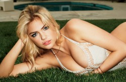 Kate Upton in Bikini